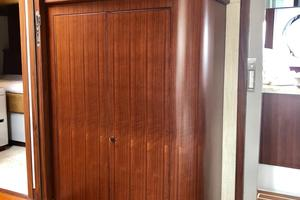 54' Riviera Belize 54 Daybridge 2015 Riviera Belize 54 Daybridge Hanging Locker
