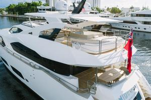 95' Sunseeker 95 Yacht 2017 7 person jacuzzi surrounded by huge sun pad with built in recliners