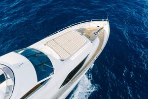 95' Sunseeker 95 Yacht 2017 Foredeck seating