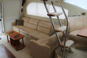 50' Cruisers Yachts 5000 Sedan 2000 Salon Steps to Flybridge