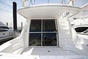 50' Cruisers Yachts 5000 Sedan 2000 Deck