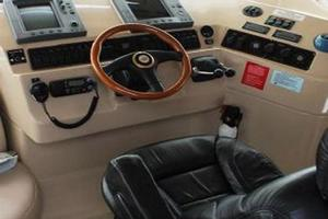 50' Cruisers Yachts 5000 Sedan 2000 Lower Helmseat