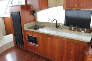50' Cruisers Yachts 5000 Sedan 2000 Galley