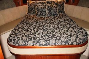 Cruisers-Yachts-5000-Sedan-2000-Never-A-Dull-Moment-Pasadena-Maryland-United-States-VIP-Stateroom-1031367