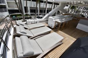 88' Sunseeker 88 Yacht 2012 Flybridge aft-deck loungers