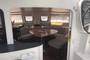 40' Fountaine Pajot LAVEZZI 2006 Salon Entry