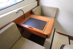 50' Prestige 500 Flybridge 2014 Settee Table