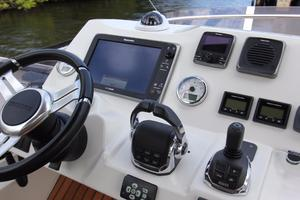 50' Prestige 500 Flybridge 2014 Bridge Helm