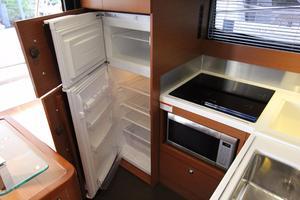 50' Prestige 500 Flybridge 2014 Full Size Refrigerator/Freezer