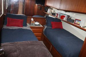 57' Viking Convertible 1989 Guest Cabin