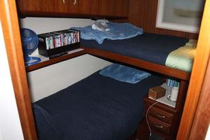 57' Viking Convertible 1989 Guest Bunks