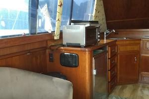 37' Egg Harbor 37 Convertible 1985 Salon port side
