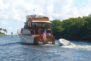 57' Trumpy CPMY 1960 Stern Profile Underway