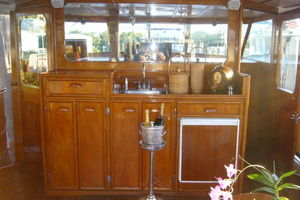 57' Trumpy Cpmy 1960 Wet Bar Forward in Flushdeck