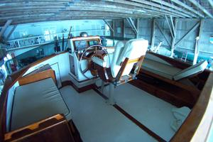57' Trumpy CPMY 1960 Flybridge Seating