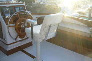 57' Trumpy CPMY 1960 Flybridge Helm to Starboard
