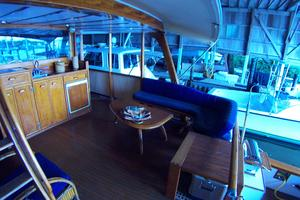 57' Trumpy CPMY 1960 Flush Deck Seating to Starboard