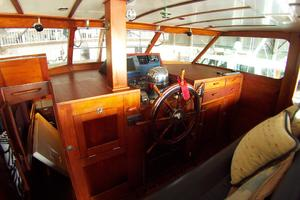 57' Trumpy CPMY 1960 Lower Helm Pilothouse